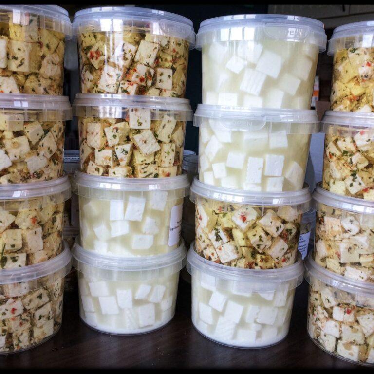 Salatost fra Tveitakjerring - det vesle ysteriet på Tveit